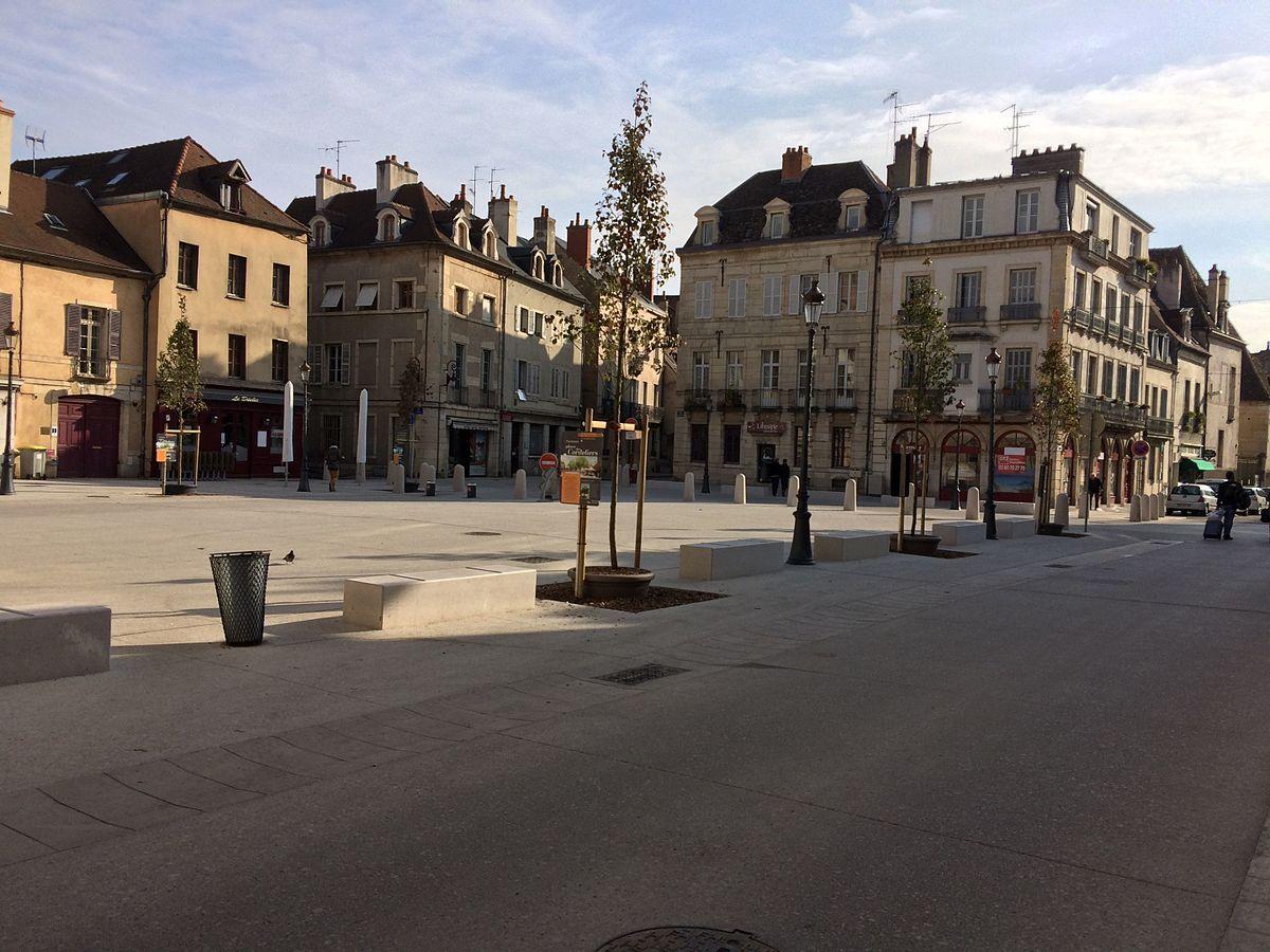Read more about the article COMPTOIR D'ECHANGE – Place des Cordeliers